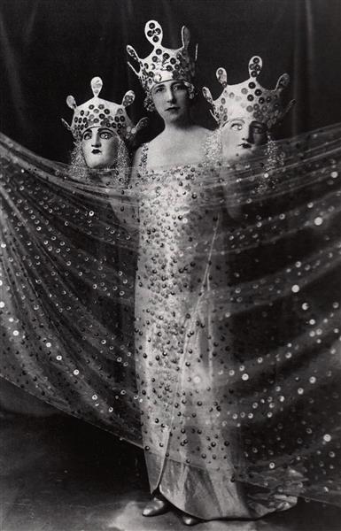 Costume Représentant Parties Du Monde, Bal Louis XIV, 1923 - Valentine Hugo