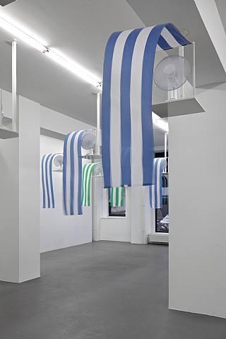 Photo-souvenir: Westwind (Vent d'ouest), travail situé, 2010 - Даниель Бюрен