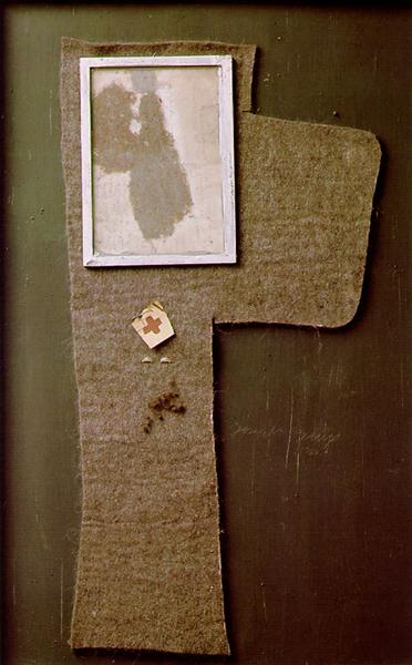 "Halved Felt Cross with Dust Image ""Magda"", 1960-1965 - Joseph Beuys"