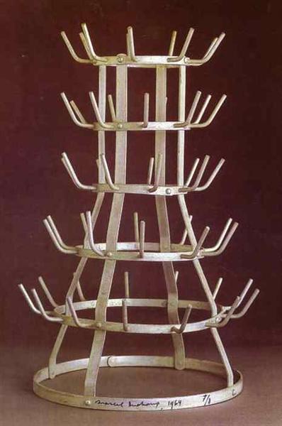 Bottlerack, 1914 - Marcel Duchamp